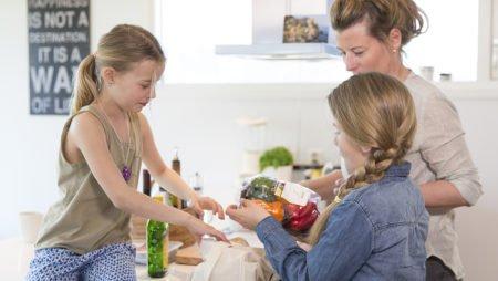 Möllerin Kalanmaksaöljyn välttämättömät omega-3 -rasvahapot ovat hyväksi koko perheelle.